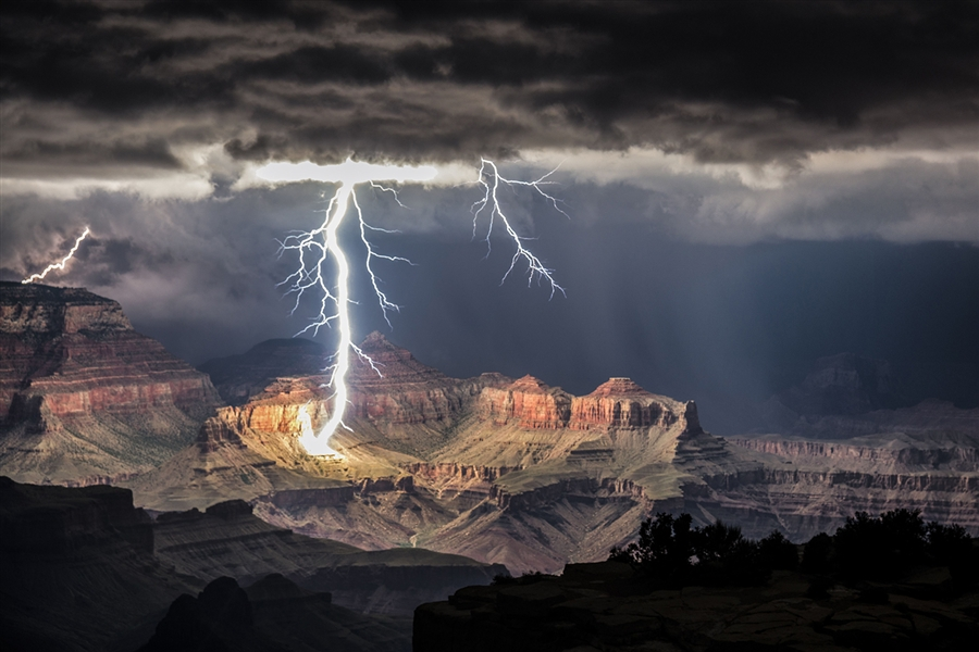 Grand canyon lightning